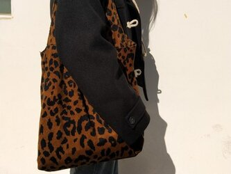 おしゃれ 流れ 新デザイン ヒョウ ショルダーバッグ 斜めがけバッグ レジャーバッグ トートバッグ   帆布の画像