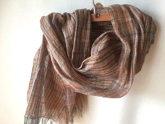 手紡ぎ糸・草木染めの大判ストール M26-②の画像