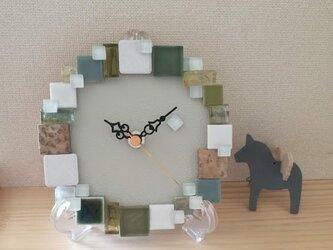 """タイルの置き時計・壁掛け時計 """"Gardenia"""" 1005 ガラス・石・モザイク インテリアウォールクロックの画像"""