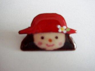 七宝 赤い帽子の女の子の画像