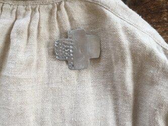 alumi  cross broochの画像