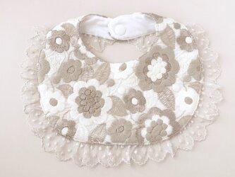 花刺繍のレースフリルスタイの画像