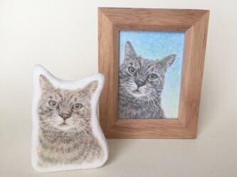 ねこのブローチ フエルトブローチ ホワイト 猫の画像