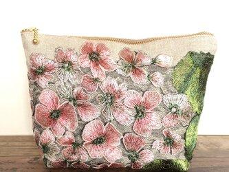 再販 アジサイ 麻刺繍ポーチ ピンクの画像