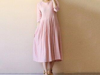 リネン ピンク ワンピース ふんわりワンピースの画像
