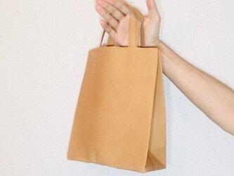 豚革 ブラウン 紙袋型 ショッピングバッグ トートバッグの画像