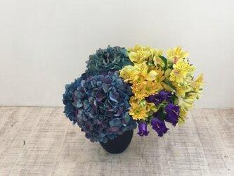 紫陽花のアレンジメントの画像