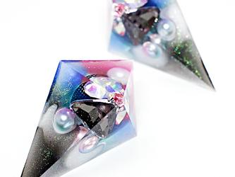 鋭角ピラミッドイヤリング(マリーナベイサンズ)の画像