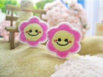 ピンク色デニムの可愛いスマイルマーク★にこにこワッペンミニミニ★桃3c-2枚の画像