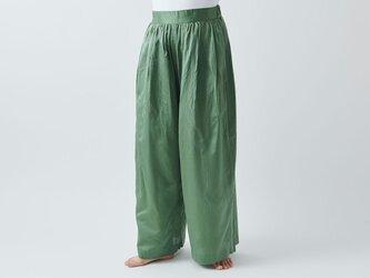 【送料無料】enrica cottonsilk pants KHAKI / botanical dyeの画像