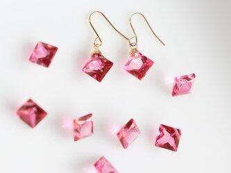 【18K】宝石質ピンクトパーズのピアスの画像