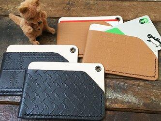 本革 パスケース エンボス 4種 ★ ブラック ブラウン 両面ポケット 手縫い シンプルの画像