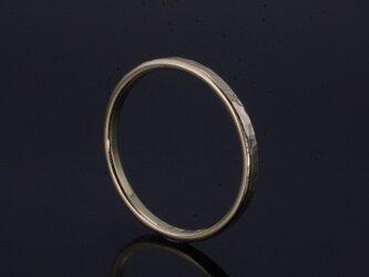 指輪 レディース : K18 丸鎚目リング 2mm幅 4~9号の画像