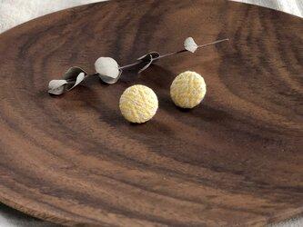 ◉こぎん刺しピアス◉『モドコ:籠目糸入口』の画像