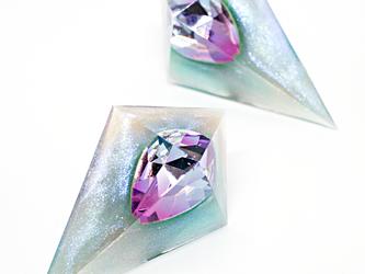 鋭角ピラミッドイヤリング(ボーフォート海)の画像