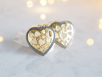 GoldxBlack Heart Earringsの画像