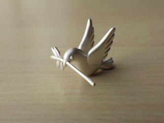 鳩のピアスの画像
