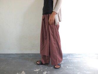 あずき色/ラップスカート付きゆったりストレートパンツの画像