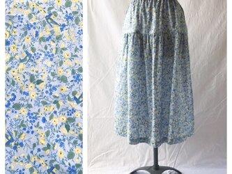 75cm丈:涼しく過ごすためのティアードスカート(花と小鳥:ブルー)の画像