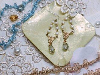 コットンパールのヴィンテージ風ピアスの画像