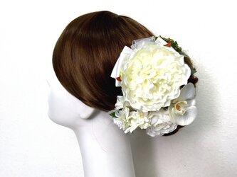 ピオニーと胡蝶蘭とラナンキュラスのヘッドドレス  成人式 和装婚 ピオニー 芍薬 髪飾り 造花 アーティフィシャルフラワーの画像