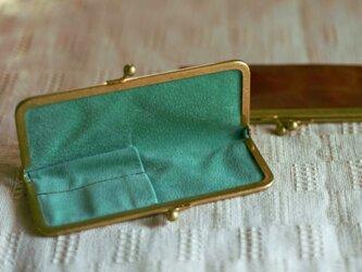 真鍮使いの口金ペンケース(ショート2本用)/キャメル×リーフグリーンの画像