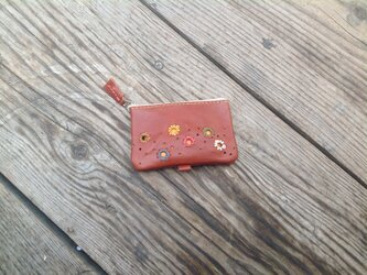 刺しゅう入りファスナータイプのコインケースの画像