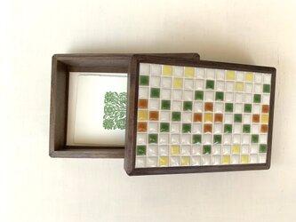 受注生産 モザイクタイルの木箱の画像