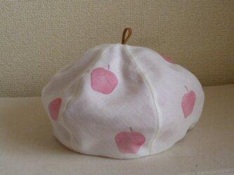 リンゴ柄のベレー帽の画像