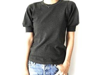 形にこだわった 大人のギャザー袖Tシャツ【サイズ・色展開有り】の画像