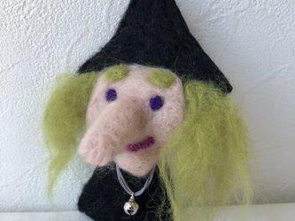 魔女ブローチの画像
