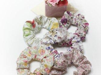 ② LIBERTY リバティ タナローン シュシュ♡ ピンク系 5個セットの画像