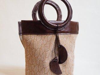 《ペンジュラム》トートバッグの画像