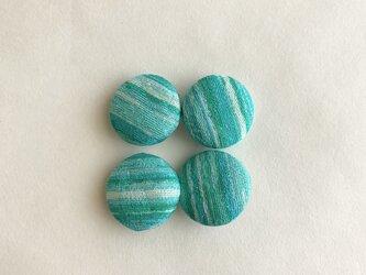 絹手染くるみボタン4個(18mm 緑系)の画像