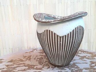 レース模様の花瓶<ストライプブラウン>の画像