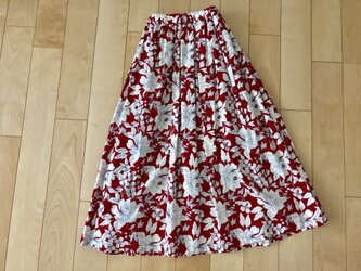 大sale! 白いお花柄スカート(赤)の画像