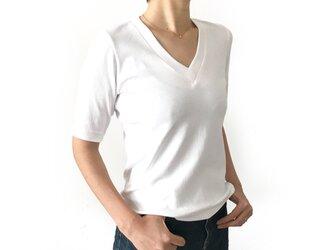 形にこだわった 大人のVネックTシャツ【サイズ・色展開有り】の画像