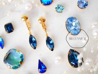 ヴィンテージビジューのイヤリング sapphire nの画像