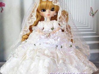 d16b16152f6d5 ローズレーヌの豪華ウエディングドレス 気品あるボリュームレースとパールの輝き