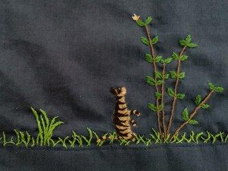 コットン ロングスカート お庭で遊ぶキジトラ猫たちの画像