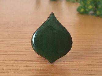 七宝ブローチ「このは・常緑」の画像