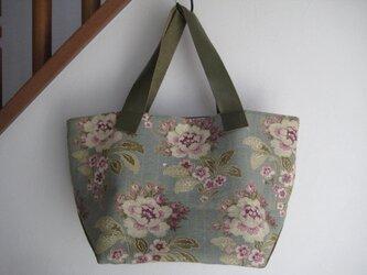 幅広皮の持ち手のトートバッグの画像
