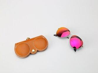 フクロウ好きが作ったメガネケース 一枚革のメガネケース バッグチャームの画像