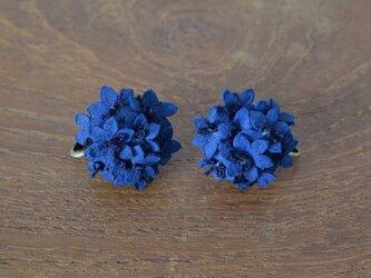 藍染アリウムイヤリングの画像
