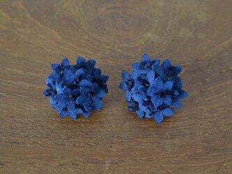 藍染アリウムピアスの画像