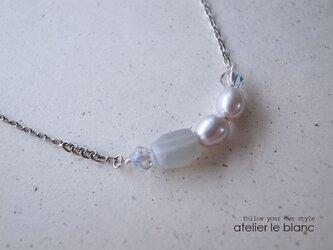 graceful gray #1 ~グレーパールとムーンストーンのネックレス~の画像