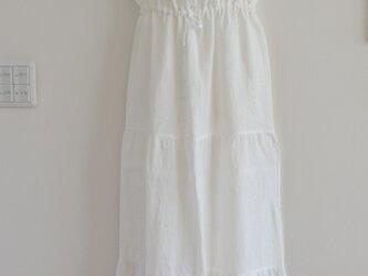 一点物 マキシ リゾート ワンピース サンドレス 夏の白 ホワイト リネン ティアードの画像
