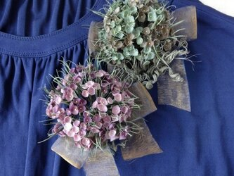 ドットの花束 ピンクパープル * シルクデシン製 * コサージュの画像
