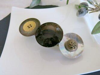 大粒レトロボタン キレイめ ボタンバレッタ レトロボタン アンティーク シェルボタン 1点物 レトロ バレッタの画像