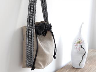 かわいいショルダーバッグ 巾着 綿麻生地の画像